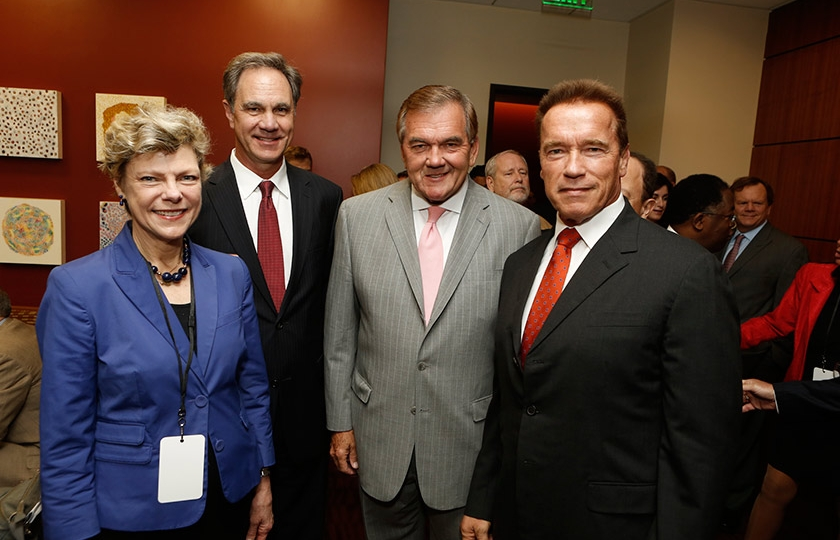 Journalist Cokie Roberts, USC Price School Dean Jack Knott, Gov. Tom Ridge, and Governor Schwarzenegger at the inaugural symposium